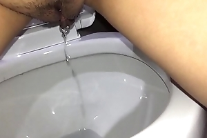 Asian Piss Compilation with Kissing