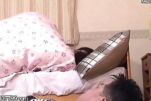 Japanese Cuckold Cleans Used Cummy Pussy
