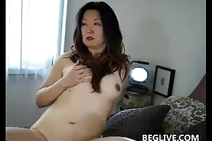 Horny Asian Mom With A Gradual Pussy